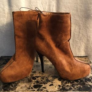 NWOT Brown/Camel high heel ankle boots.